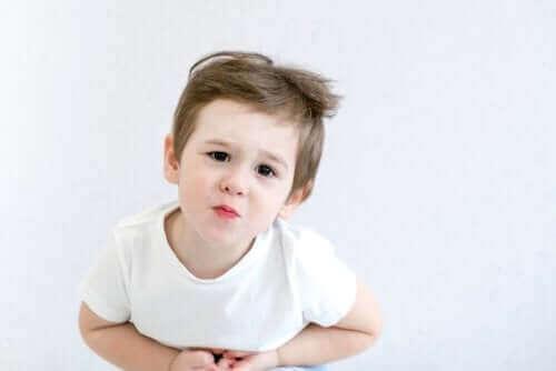 Barn med nefrotisk syndrom kan føle magesmerter
