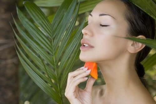 Skjønnhet og papaya.