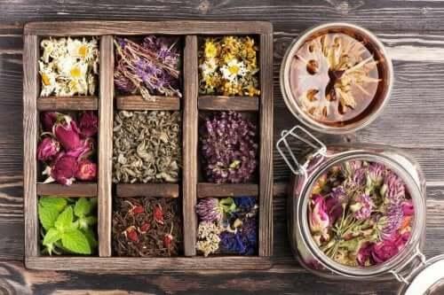 En boks med urter.
