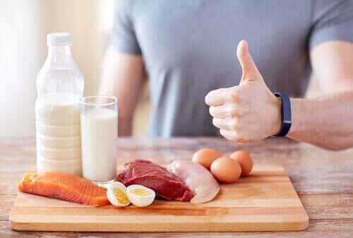 Forskjellige typer protein på et fat.