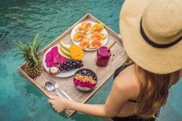 Sommerlige spisevaner for å opprettholde vekten din