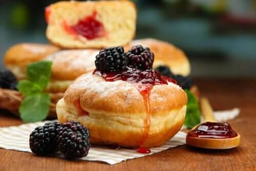 Donut med bærfyll
