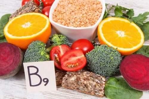 Folsyre og folat: Ulike kilder til vitamin B9.