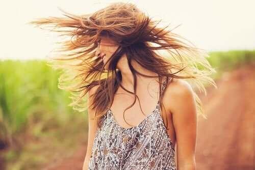 Gjenoppliv håret ditt med leire og kokosolje