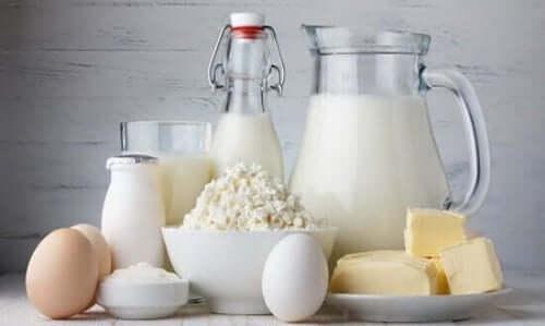 Riktig kalsiumtilskudd er viktig, en naturlig kilde til kalsium er meieriprodukter.