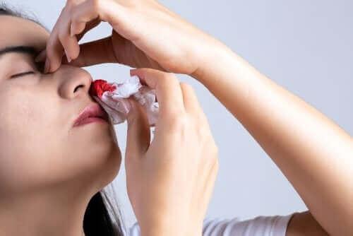 De ni vanligste årsakene til en blødende nese