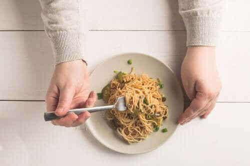 Kan jeg spise pasta og ris om kvelden?