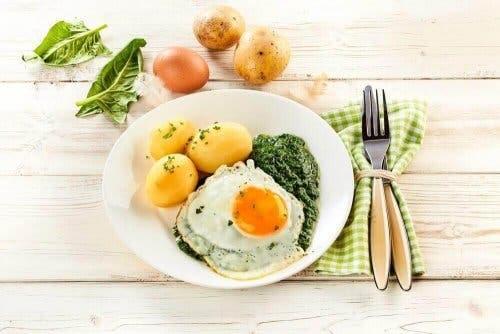 Diett som kan sammenlignes med middelhavsdieten.