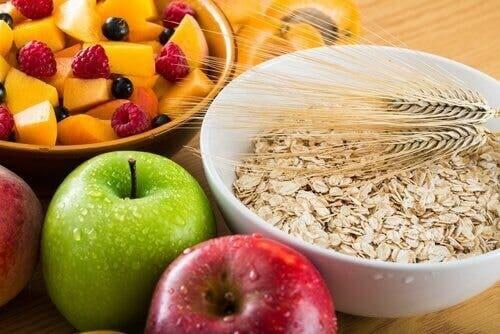 Fiberrike matvarer som kan hjelpe deg ned i vekt