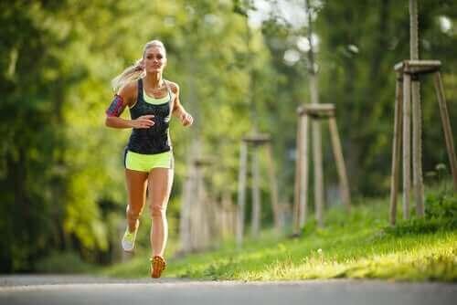 Fysisk trening og menstruasjonssyklusen