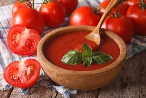 Krem av grønnsaker, tomatsuppe.