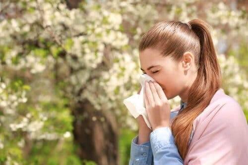 En kvinne med allergier