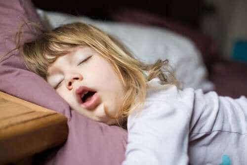 Søvnforstyrrelser hos barn: Prøver og behandlinger