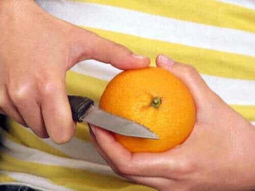 Bør du spise frukt med eller uten skall?