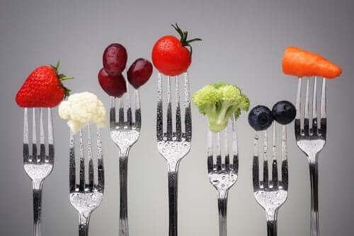 Frukt metter, og dermed forebygger fedme.