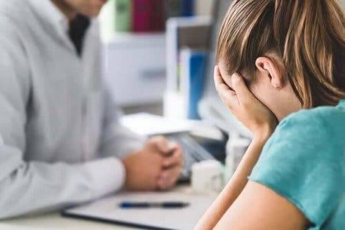 Generelt er kognitiv atferdsterapi en av de mest anbefalte behandlingsalternativene for å overkomme posttraumatisk stresslidelse.