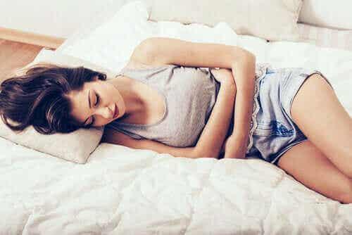 Ti måter å lindre en smertefull menstruasjon på