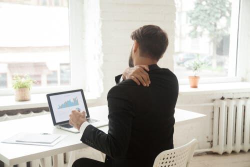Følg disse trinnene hvis du har en stillesittende jobb
