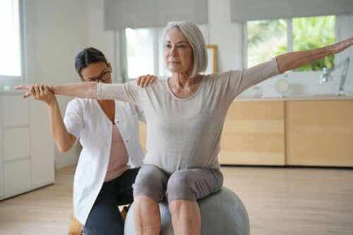 Kommer jeg til gå opp i vekt i overgangsalderen?