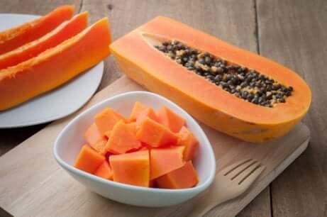 frokostsmoothies med papaya og svisker