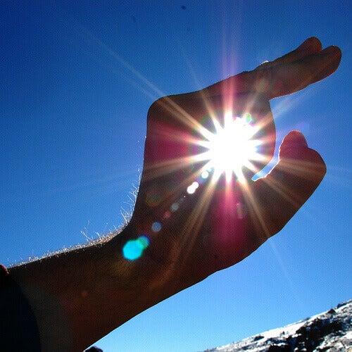 Sollys er veldig sterkt for øynene.