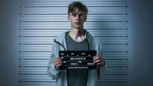 En person som blir arrestert