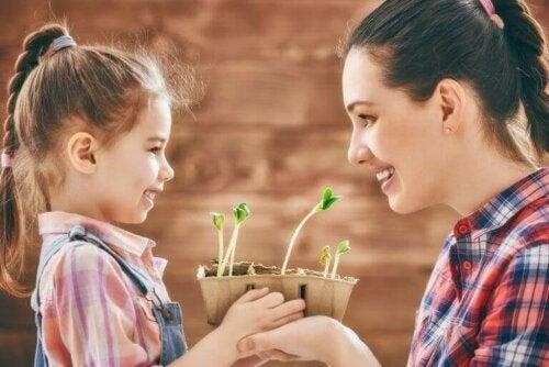en mor sammen med datteren sin