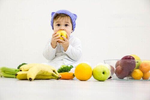 Hvilke frukter er trygge for babyer å spise?