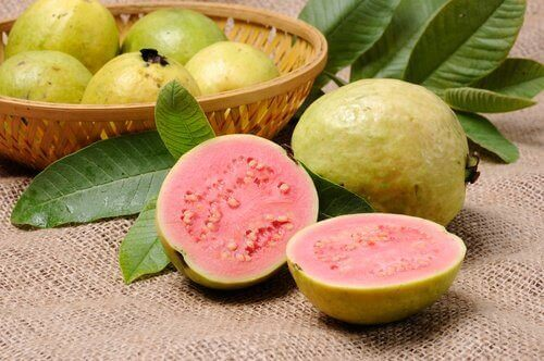Frukten guava hjelper mot fordøyelsesproblemer.