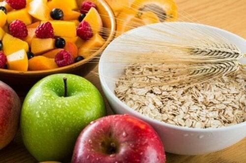 Øk fiberinntaket ditt for å unngå å føle deg sulten hele tiden