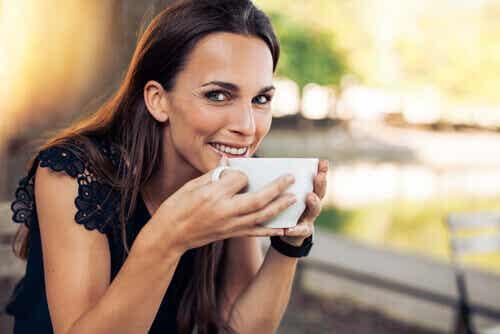 Hvor mye kaffe bør du drikke daglig?