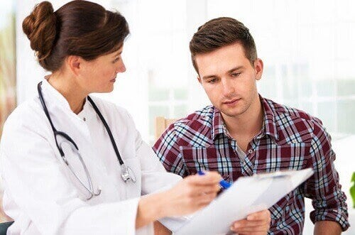 Mann hos legen