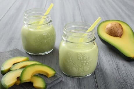 Energigivende smoothies med avokado
