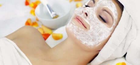 Peel-off-masker av gelatin for dyp hydrering