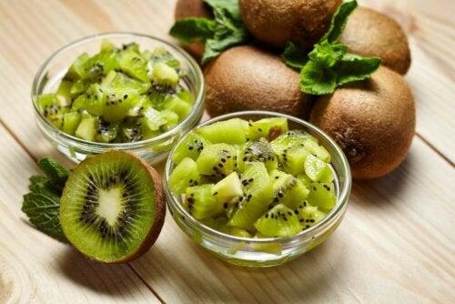 Du får mange C-vitaminer fra kiwi.