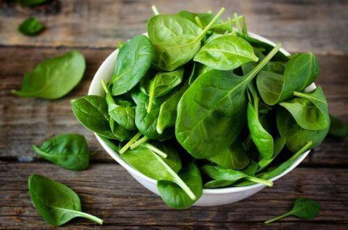Grønn salat for godt syn.