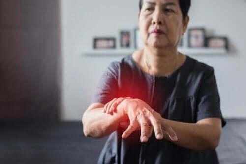 Kvinne med Parkinsons sykdom