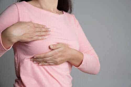 Brystsmerter og menstruasjonssyklusen