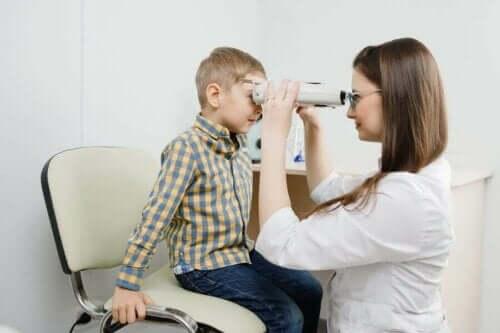 Retinoblastom: symptomer, årsaker og behandling