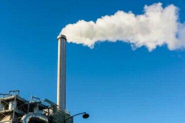 Førstehjelp og behandling for karbonmonoksidforgiftning