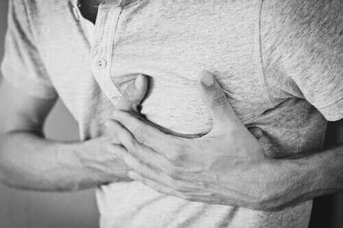 Kronisk hikke: Årsaker, behandling og konsekvenser