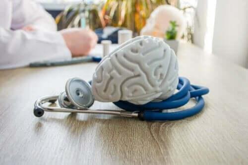 Lege, hjerne og et stetoskop