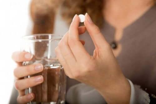 Medisiner for å kontrollere Crohns sykdom