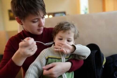 Et barn som avviser mat.