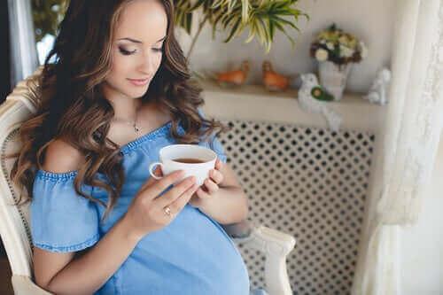 Bør du drikke te under svangerskapet?