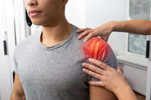 Senebetennelse i skulderen: symptomer, årsaker og behandling