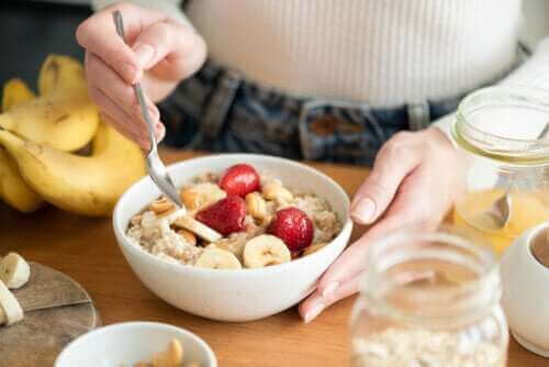 De helsemessige fordelene ved en frokost rik på karbohydrater