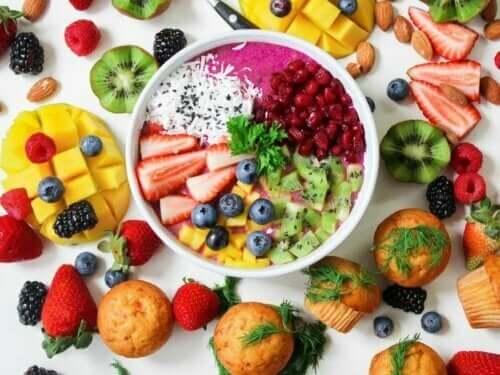 Fruktsalat er en flott måte å sikre god babyernæring på
