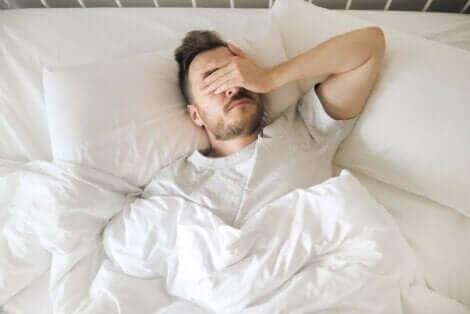 Mann får ikke sove