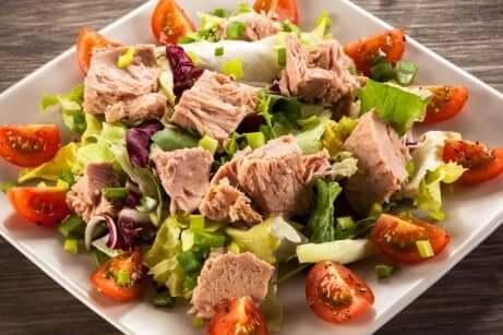 Salatoppskrifter for å slippe å gå sulten: